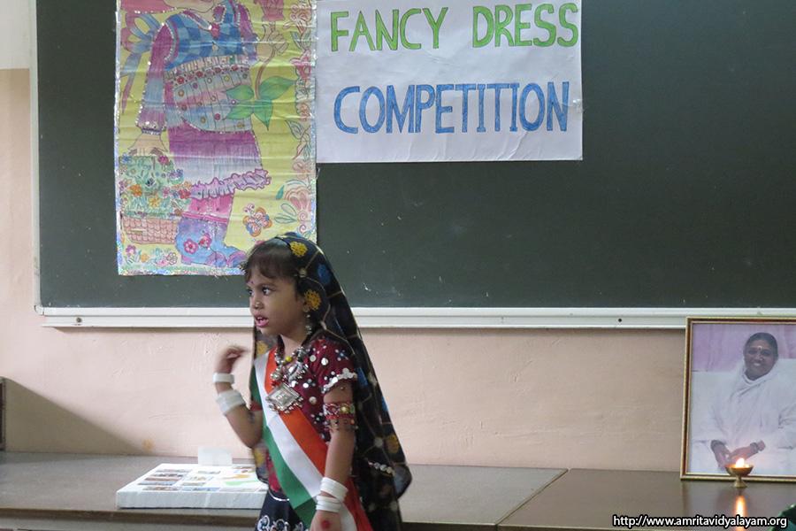 helper fancy dress competition