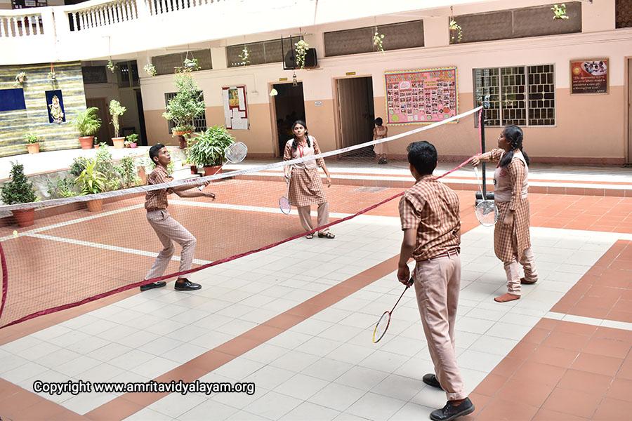 OutdoorGames_AR_Badminton-copy